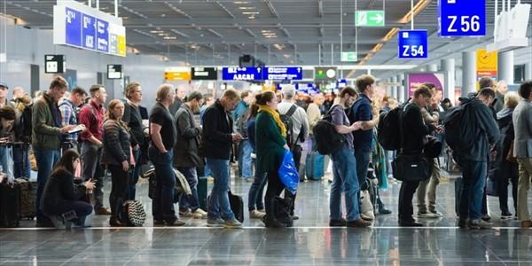 Vincenzo Cimini - Dubai, con una passeggiata si azzerano le code in aeroporto